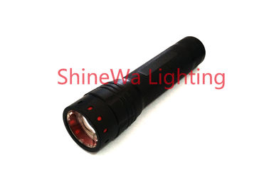 China 300 Lumen Brightest Zoomable Flashlight / Adjustable Focus Cree Led Flashlight factory